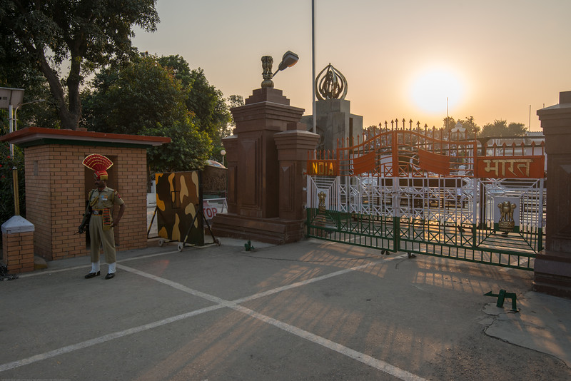 The LoC (Line of Control). Attari/Wagah (Punjabi (Gurmukhi): ਵਾਹਗਾ, Hindi: वाघा, Urdu: واہگہ‎) border lies on the Grand Trunk Road between the cities of Amritsar, Punjab, India, and Lahore, Punjab, Pakistan.