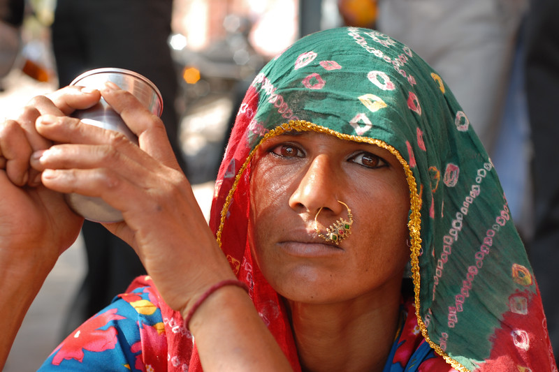 Traditionally saree dressed Rajasthani Lady near Hawa Mahal, Jaipur, Rajasthan, RJ, India.