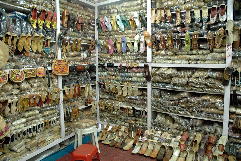 Vareity of hand made and machine made items can be purchased in the shops of Jodhpur, Rajasthan, Western India.