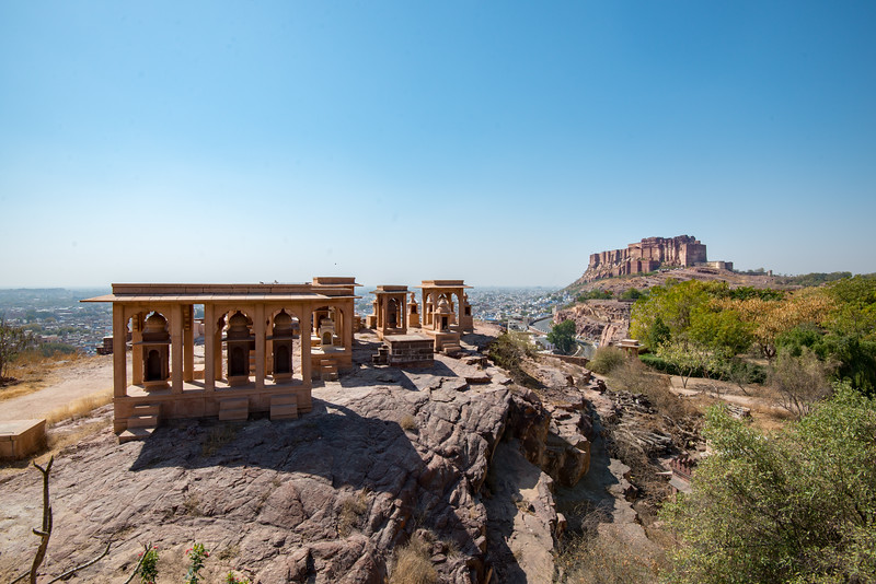 Jaswant Thada complex with Mehrangarh Fort in the backdrop, Jodhpur, Rajasthan, Western India.