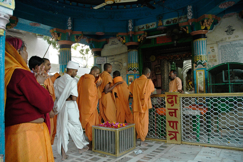 Monks from the Swami Narayan Sect, visiting the temples in Puskhar. The Brahma temple located in Pushkar, Rajasthan is one of the important Hindu pilgrim centre. It is just 10 km from Ajmer, Rajasthan.