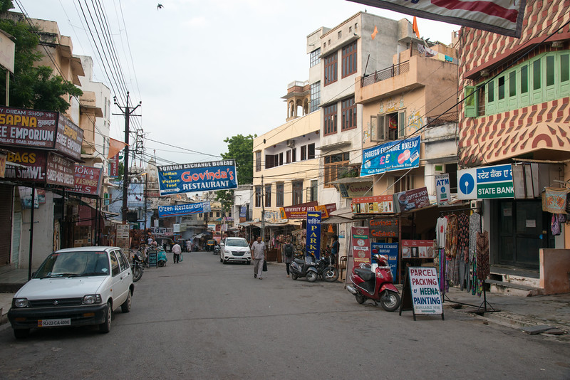 Street view in Udaipur, Rajasthan, India.