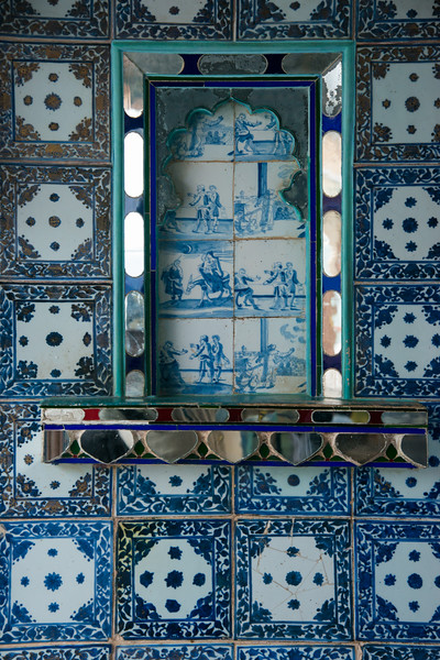 Chini Chitrashala (Chinese art place) depicts Chinese and Dutch ornamental tiles. City Palace, Udaipur, Rajasthan, India.