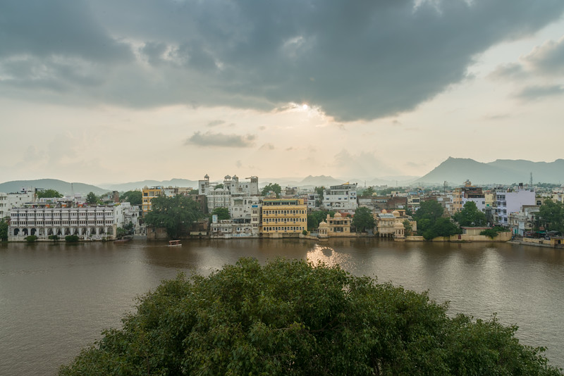 Elevated view of Lake Pichola, Udaipur, Rajasthan, India.