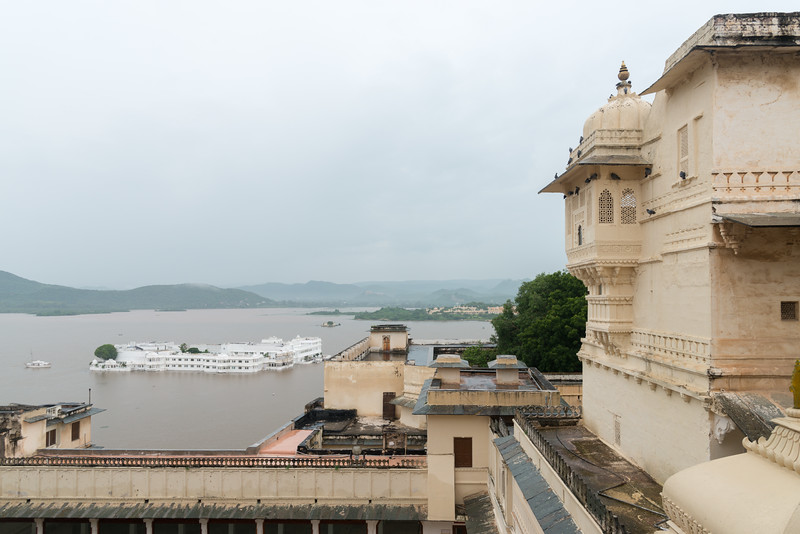 City and Lake Pichola view from City Palace, Udaipur, Rajasthan, India.