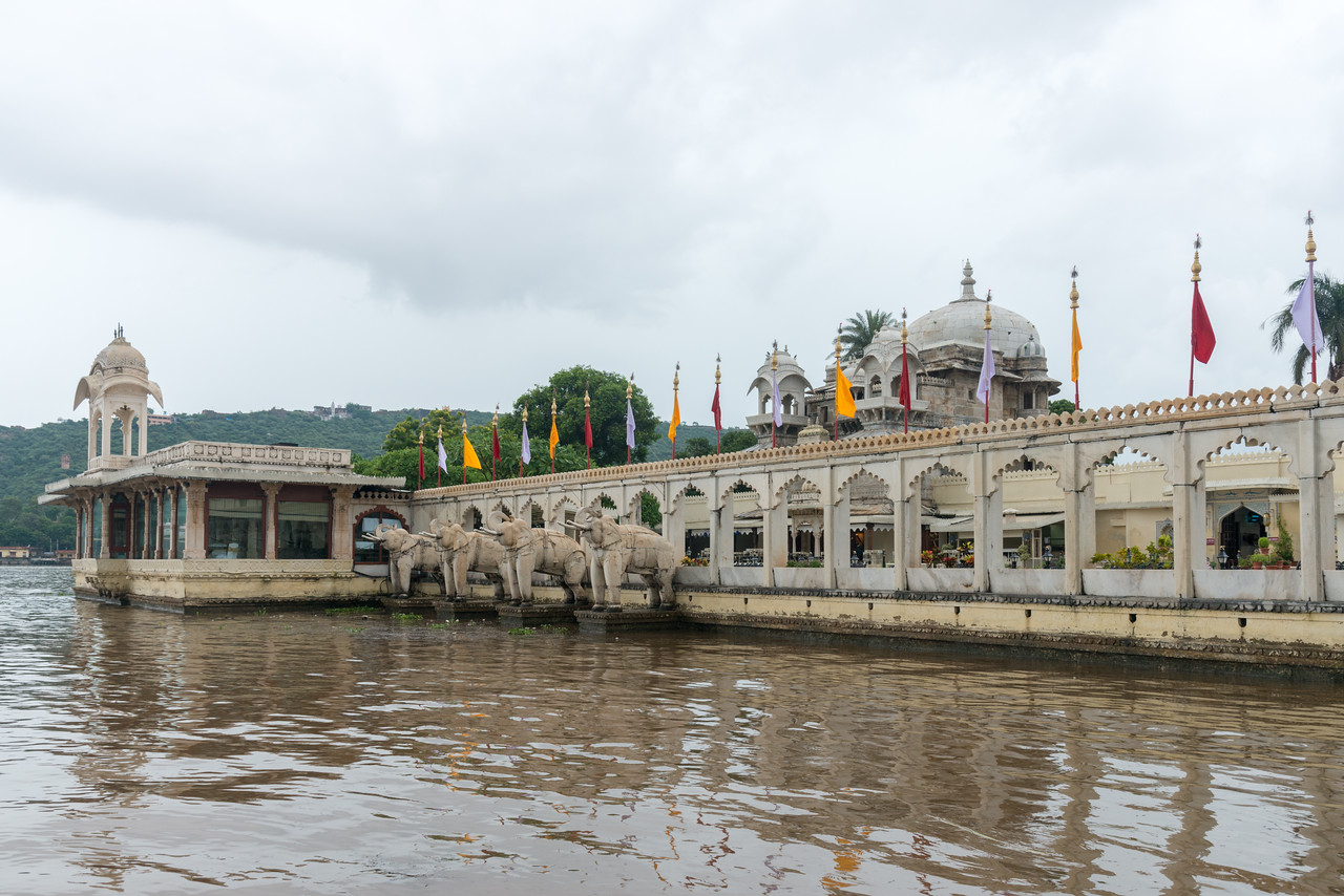 """Jagmandir (Jag Mandir)<br /> <br /> Jag Mandir is a palace built on an island in the Lake Pichola. It is also called the """"Lake Garden Palace"""". The palace is located in Udaipur city in the Indian state of Rajasthan."""