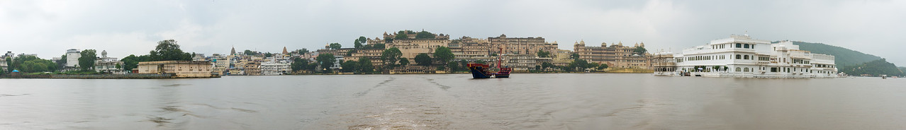 Panoramic view of City Palace, Udaipur from Lake Pichola, Udaipur, RJ, India.