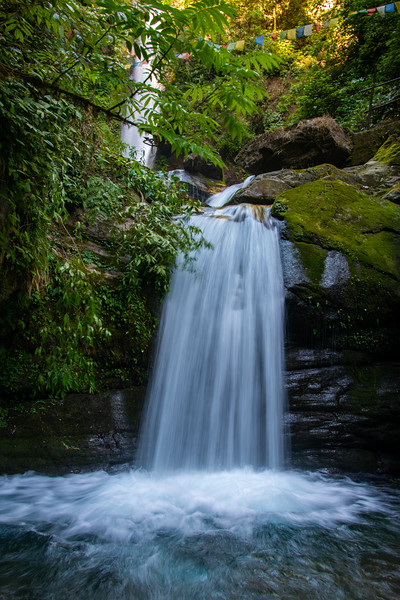 Kanchandzanga Falls (कन्चंद्ज़ंगा फॉल्स), Pelling-Yaksam Road, Sikkim in North East India.