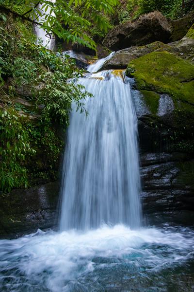 Kanchandzanga Falls (कन्चंद्ज़ंगा फॉल्स), Pelling-Yaksam Road, Sikkim in North East India.