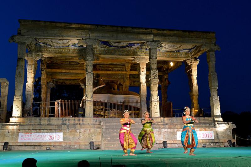 "Dance performance in front of Nandi of Lord Shiva by Kalanjali, Chennai. Guru Smt Maya Shyam Sunder. Brahan Natyanjali 2015, Big Temple, Thanjavur, Tamil Nadu, 19th February, 2015. <a href=""http://brahannatyanjali.in/"">http://brahannatyanjali.in/</a>"