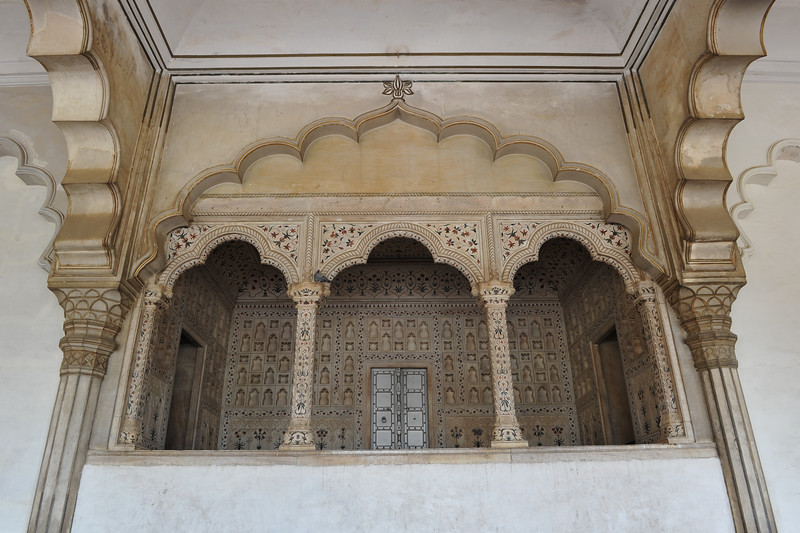 Agra Fort Diwan I Am (Hall of Public Audience) Uttar Pradesh, Agra. Dīwān-e-Ām (Persian ديوان عام) (Divan-i-Aam). The court's Hall of Public Audience, where the ruler held mass audience. He would sit on his throne facing petitioners. His minister would assemble the petitions and refer them to the Dīwān-e-Khās for private audience.<br /> <br /> <br /> Agra Fort (Lal Qila) is a UNESCO World Heritage site. It is about 2.5 km northwest of the Taj Mahal. The fort can be more accurately described as a walled palatial city. Agra, Uttar Pradesh state (UP), North India.