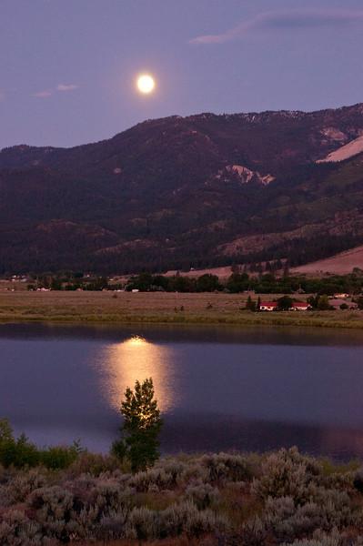 Moonset over Little Washoe 2