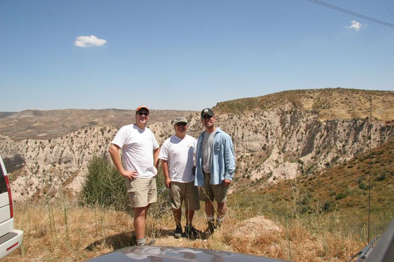 Team MVE Off Road!<br /> L - R:  Nathan Woods, Mel Tan, Robert Gruspe.