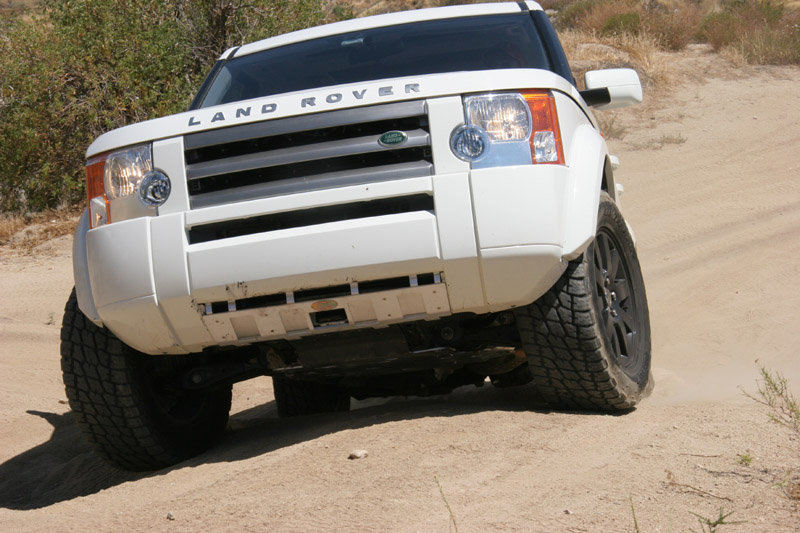 Nathan's new skid plates on his LR3