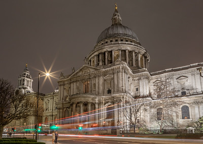 Night time at St. Paul's Cathedral