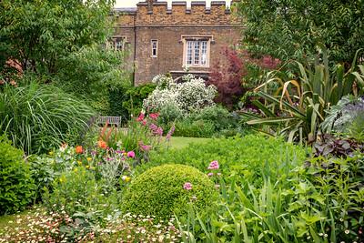 London Charter House gardens