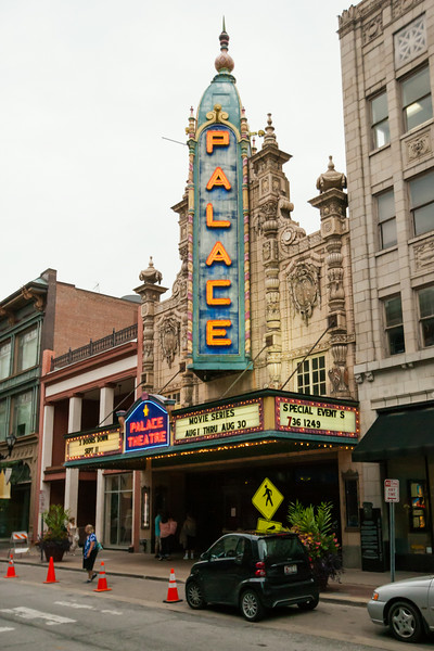 Exterior of the Louisville Palace Theater. Digital, 2014.