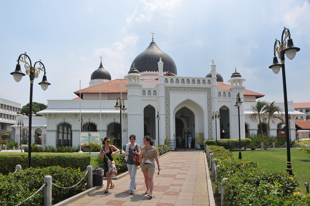 "Kapitan Kling Mosque<br /> The Kapitan Keling Mosque is arguably the best known mosque in Penang. Situated on Jalan Kapitan Keling, formerly Pitt Street, it is the largest historic mosque in George Town. The Kapitan Keling Mosque is named after Caudeer Mohudeen, the head of the Indian Muslim community credited to have built it around 1800. <br /> Penang (pronounced /pəˈnæŋ/; (Malay: Pulau Pinang)) is a state in Malaysia which is located on the north-west coast of Peninsular Malaysia by the Strait of Malacca. The name ""Penang"" comes from the modern Malay name Pulau Pinang, which means island of the betel nut tree. It is the second smallest state in Malaysia. Penang is often known as ""The Pearl of the Orient"" and ""Pulau Pinang Pulau Mutiara"" (Penang Island of Pearls)."