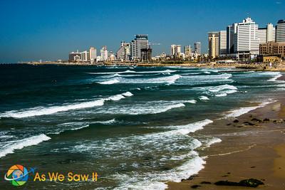 View back to Tel Aviv