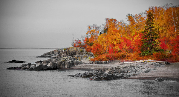 Mouth of  the Temperance River at peak color season, #0473