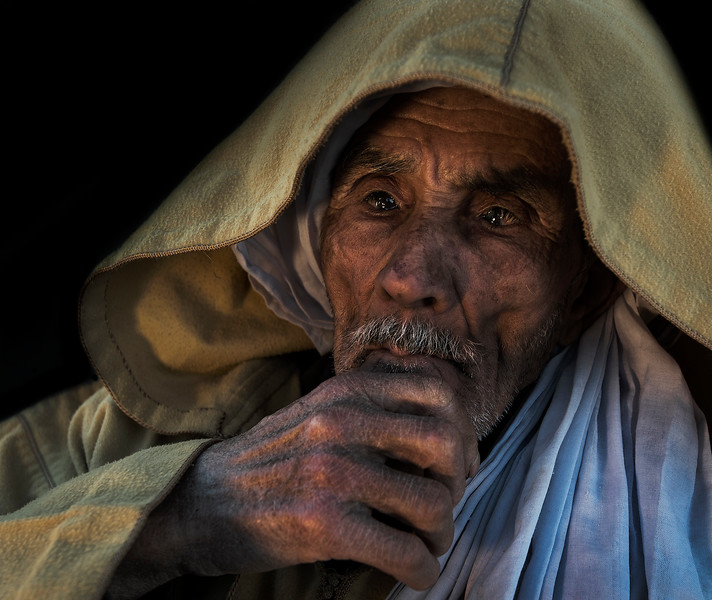 Portrait of a man in the town of Hassilabied, in the south of the country at the foot of the Erg Chebbi sand dunes.<br /> <br /> Hassilabied, Morocco, 2018.