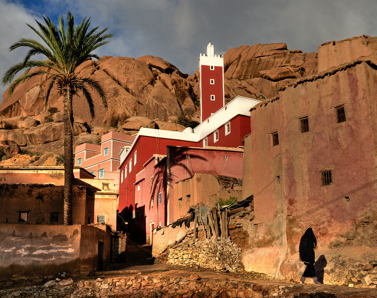Small hamlet in the Ameln Valley.<br /> <br /> Tafraoute, Morocco, 2010.