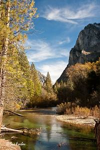 Kings River, Kings Canyon National Park Fall colors in Kings Canyon National Park, California