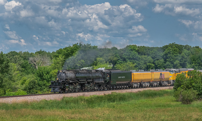 Big Boy 4014 roars through the countryside