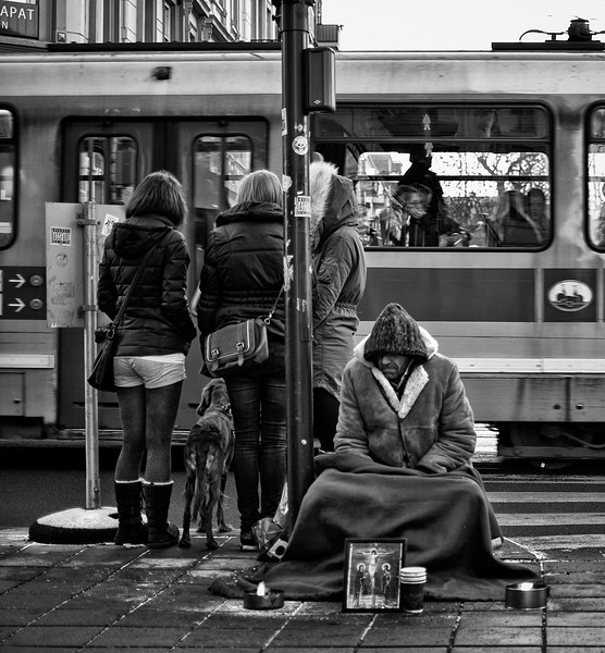 Norway's population is 4.4 million and there are 1.4 homeless people per 1,000 inhabitants. Research in 1997 suggests that 6,200 people are registered as homeless, and although this figure has remained fairly constant in recent years it is a minimum calculation since it only includes people who have been in contact with organizations. Seventy-six per cent of the homeless are men, 24 per cent women. There are about 400 children living with homeless parents. Most homeless people (58 per cent) are to be found in Norway's three largest cities; many have moved from towns and villages, many have arrived in the country as immigrants. Oslo has a population of 500,000 inhabitants of whom 2,500 are homeless.<br /> <br /> Oslo, Norway, 2012.