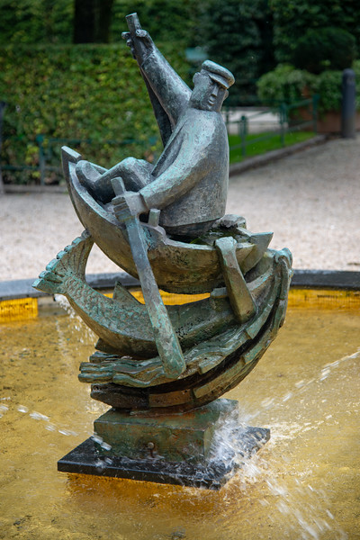 Fiskeren. Statue in Bergen City Centre, Norway. Bergen, historically called Bjørgvin, is a city as well as municipality in Hordaland on the west coast of Norway.