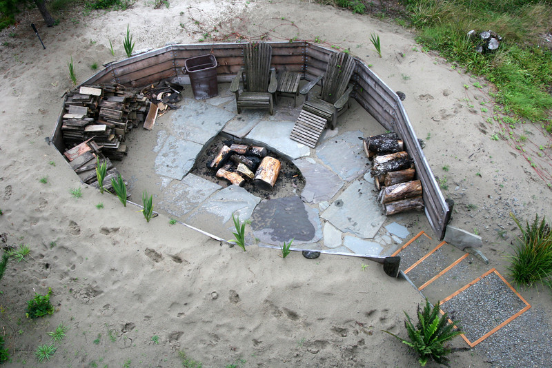 Awesome little fire pit at the beach house.