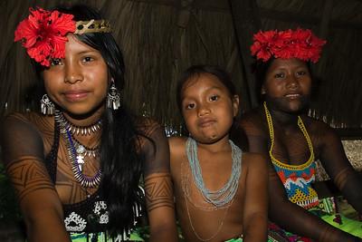 Embera gilrs, Chagres National Park, Panama