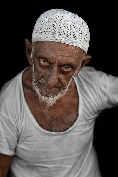 Sri Lankan muslim.