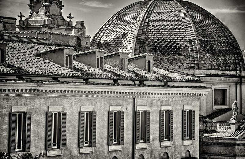 Building near Piazza del Popolo