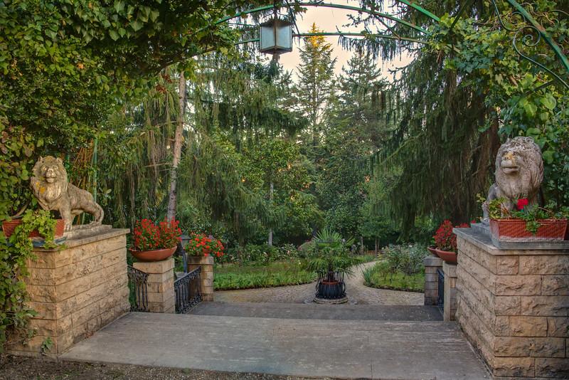 Hotel Garden Siena, entrance to gardens