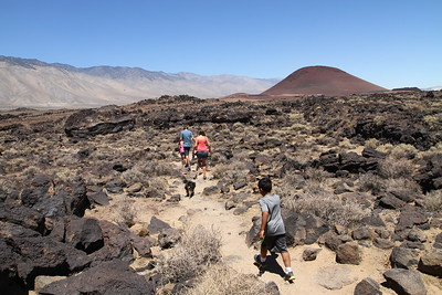 fossil falls, red cone to the north