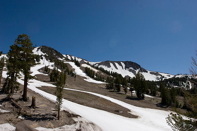 There is one groomed run from top to bottom still open on July 4th for skiing!