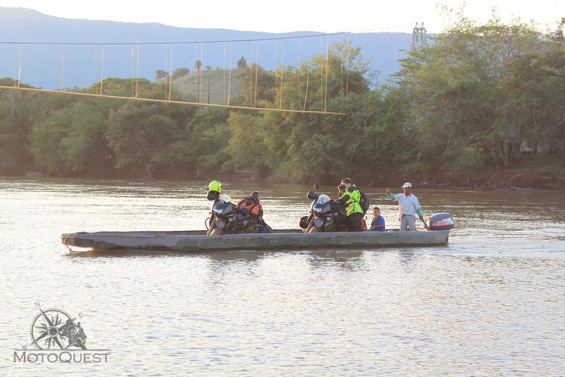 River crossing Rio Magadalena Colombia