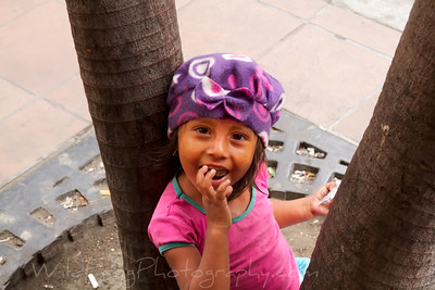 Young girl on a Guayaquil street