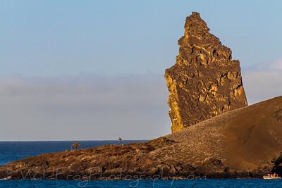 Galapagos landscape - Pinnale rock
