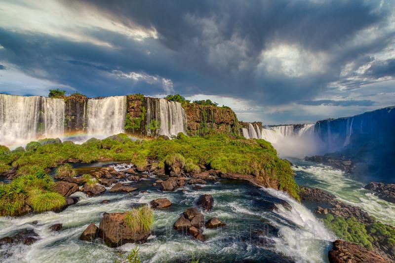 Iguaza Fall from walkway