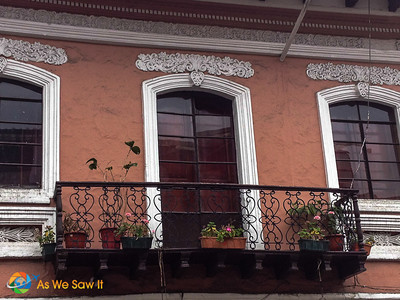 The colors just popped on the balcony in Cuenca and enhanced the ironwork details and flowers.
