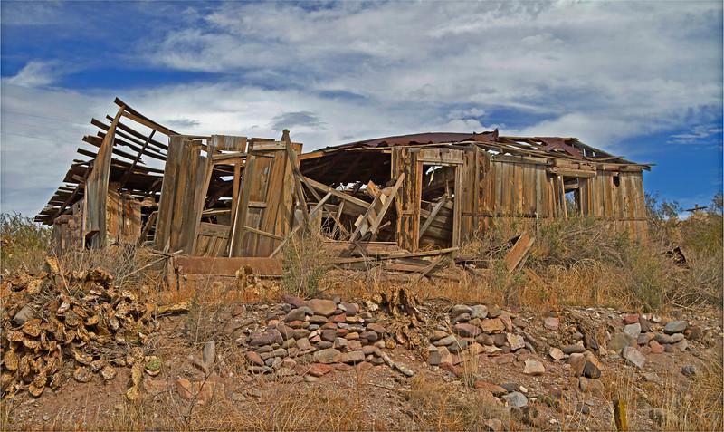 Abandoned house near historic gold mining town in Arizona, #0259