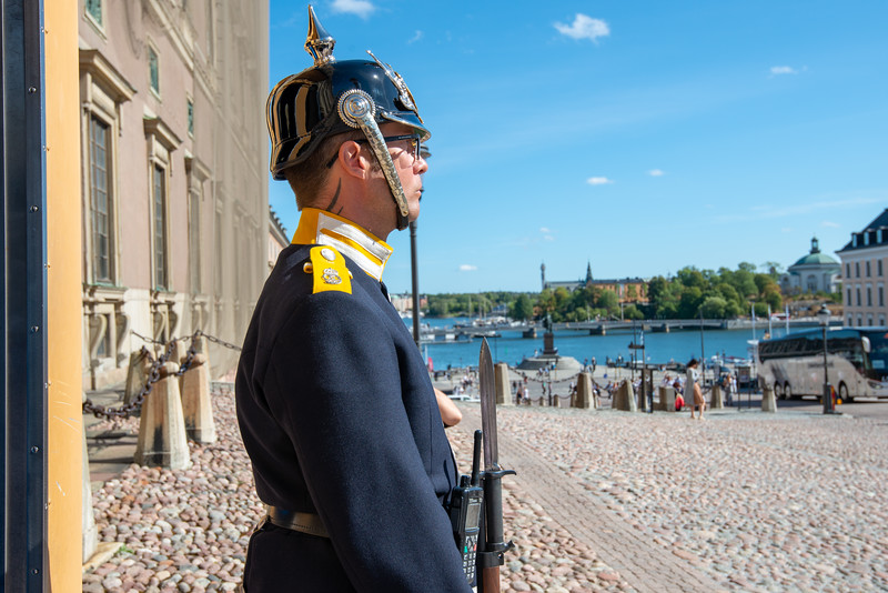 Guard at Kungliga slottet, The Royal Palace. Baroque-style royal palace with 3 museums & a vast library. Stockholm, Sweden.