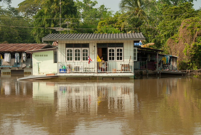 Flooding and breaching of the banks of Chao Phraya River, Ayutthaya, Thailand.