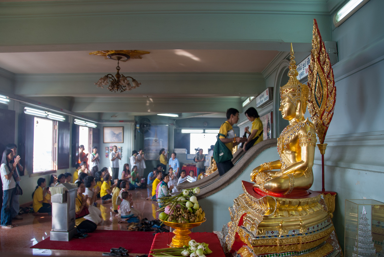 Buddhist visit The Golden Mount, Bangkok, Thailand. Wat Saket Ratcha Wora Maha Wihan usually called: Wat Saket. The temple dates back to the Ayutthaya era, when it was known as Wat Sakae. When Bangkok became the capital, King Rama I renovated the temple and gave it its present name.