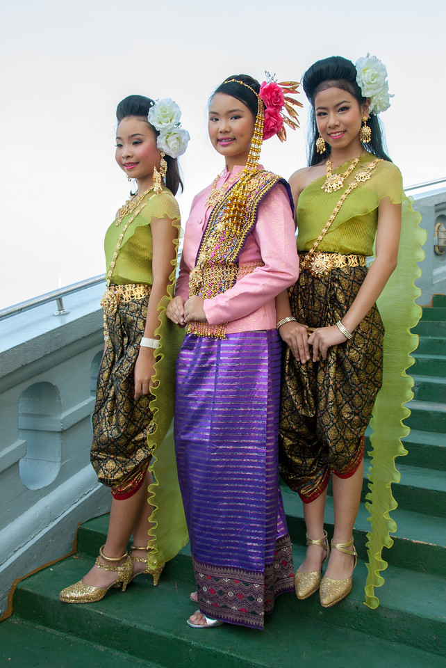 Young girls dressed as apsaras at The Golden Mount, Bangkok, Thailand. Wat Saket Ratcha Wora Maha Wihan usually called: Wat Saket. The temple dates back to the Ayutthaya era, when it was known as Wat Sakae. When Bangkok became the capital, King Rama I renovated the temple and gave it its present name.
