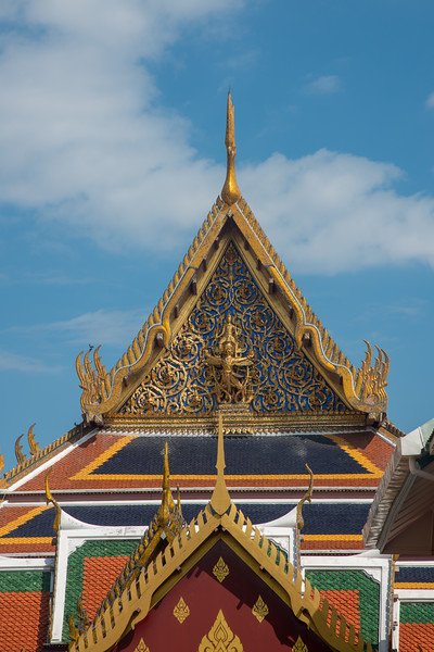 The Royal Pantheon (Wat Phra Kaew), commonly known in English as the Temple of the Emerald Buddha and officially as Wat Phra Si Rattana Satsadaram, is regarded as the most sacred Buddhist temple in Thailand. On the grounds of the Grand Palace, this sacred temple is renowned for its reclining emerald Buddha.