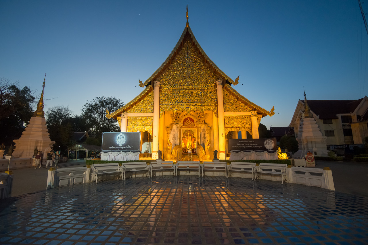 Evening at Wat Chedi Luang Worawihan, Chiang Mai, Thailand. Wat Chedi Luang is a Buddhist temple in the historic centre of Chiang Mai, Thailand. The current temple grounds were originally made up of three temples — Wat Chedi Luang, Wat Ho Tham and Wat Sukmin.