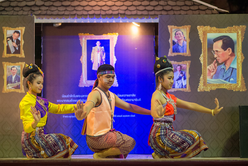 Young dancers perform a traditional Thai dance at the Kalare Night Bazaar, Chiang Mai, Thailand.